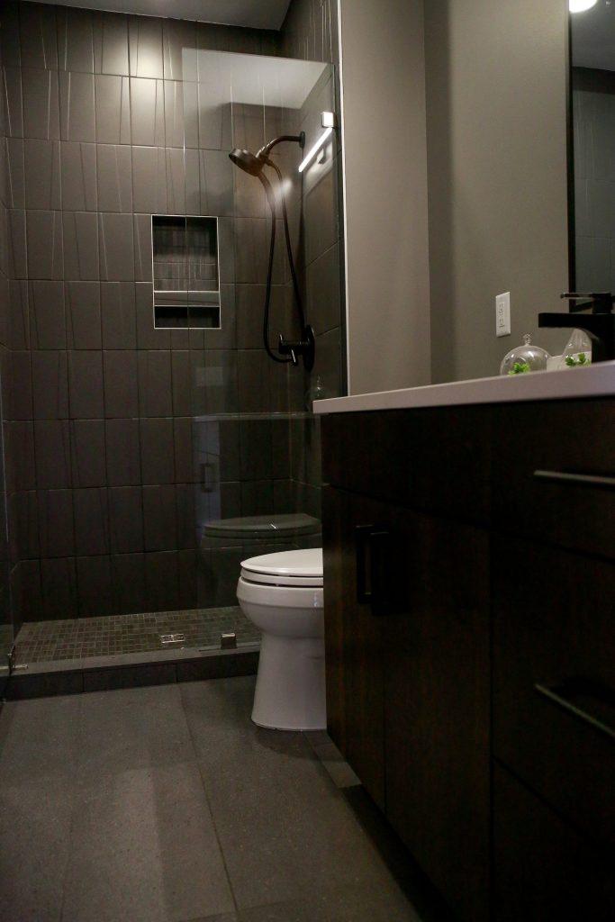 Modern-porcelain-bathroom-tile
